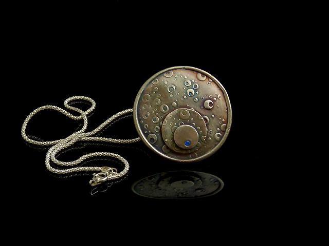 L'un des bijoux qu'elle à réalisé pendant son cours - Cours d'Initiation à la pâte d'argent à Paris avec Patricia J.